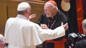 Çocuk taciziyle suçlanan kardinal istifa etti