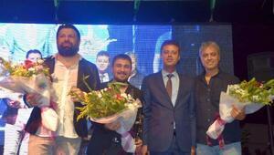 Bulgar sanatçı, Çorluda coşturdu