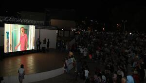 Bigada açık hava sinema günleri başladı