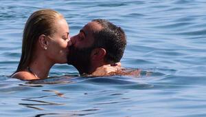 Semih Şentürkün denizde romantik anları