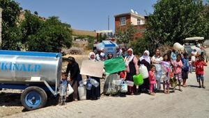 Taşıma su ile devam eden hayata kadınlardan tepki