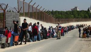 Suriyelilerin, sınır kapısında bayram ziyareti yoğunluğu
