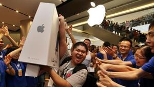 Hisseleri rekor kıran Appleın değeri 1 trilyon dolara ulaştı