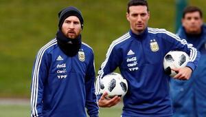 Arjantin geçici olarak Scaloniye emanet