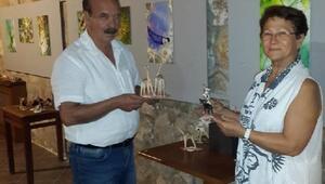 Bozcaadada, Deniz Kabuklarından Figürler ve Su Altı Fotoğraf sergisi açıldı