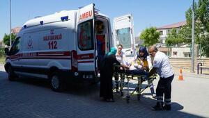 Gölbaşında hafif ticari araç devrildi: 8 yaralı