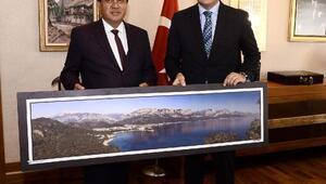 Başkan Gül, Bakan Ersoyu ziyaret etti