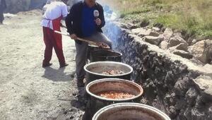 Yusufeli'nde afetlere karşı kurban geleneği sürüyor