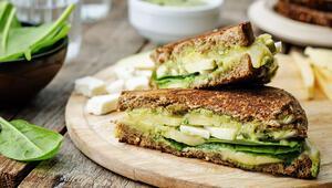 Deniz kenarında geçirilen eğlenceli saatleri tatlandıracak sandviçler