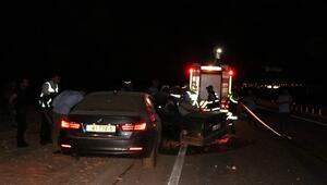 İki otomobil kafa kafaya çarpıştı: 2 ölü 4 yaralı