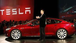 Tesla CEOsundan borsadan çekilme açıklaması