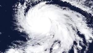 Japonyada şimdi de tayfun alarmı... Uçuşlar iptal edildi