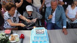 100üncü yaşını 200 kişiyle kutladı