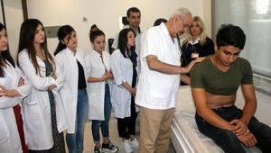 Gürcü tıp öğrencilerine uygulamalı ders