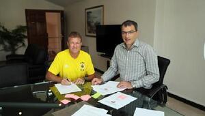 Fenerbahçede Erwin Koeman resmen göreve başladı