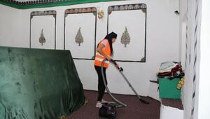 Merzifon Belediyesi bayram öncesi ibadethaneleri temizledi