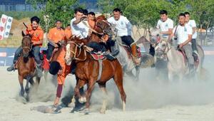 Türk Oyunları Festivalinde gökbörü heyecanı