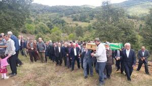 Yangında ölen 3 kişinin tek tabutla getirilen kemikleri, ayrı mezarlara defnedildi