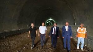 Vali Tavlı, tünel inşaatında incelemelerde bulundu