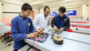 Özel mesleki ve teknik Anadolu lisesi öğrencilerine eğitim desteği