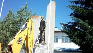 Sarızda Atatürk anıtı yeniden inşa edilecek