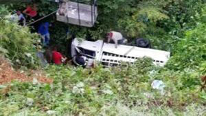 Fındık işçilerini taşıyan kamyonet şarampole düştü: 3 ölü, 6 yaralı