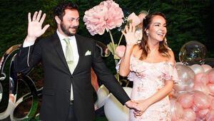 Hazırlıklar için 1 milyon TL'yi gözden çıkardı İşte Bengünün düğün davetiyesi