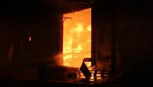 Sakaryada fabrika alev alev yandı