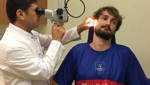 Anadolu Efesli basketbolcular sağlık kontrolünden geçirildi