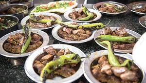 Antalya'ya denize Gaziantep'e yemeğe