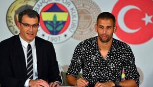 Fenerbahçenin yeni transferi Slimani imzayı attı