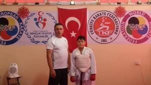 Karateci Yetkin Beşbunar milli takıma davet edildi