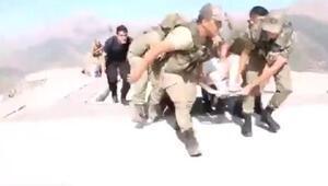 Hakkaride kazada yaralanan 8 kişi, askeri helikopterle hastaneye taşındı