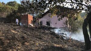 Bursada evlere ulaşan orman yangını söndürüldü