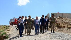 Bitlis Valisi Ustaoğlundan üs bölgelerine ziyaret