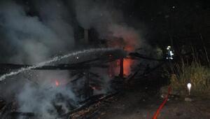 Sinop'ta tek katlı evde yangın