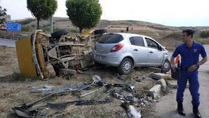 Balıkesirde iki otomobil çarpıştı: 1 ölü, 1 yaralı