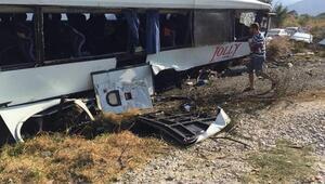 Tur otobüsü kaza yaptı: 26 yaralı (2)