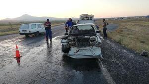 Otomobiller çarpıştı: 10 yaralı