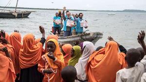 Zanzibarda ilahilerle karşılandılar