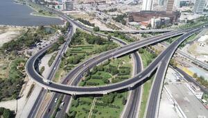 Tatilin son gününde İzmirde trafik sakin