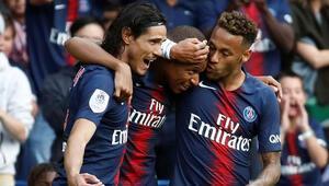Paris Saint Germain evinde rahat kazandı