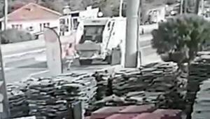 Üç kişinin yaralandığı kaza güvenlik kamerasında