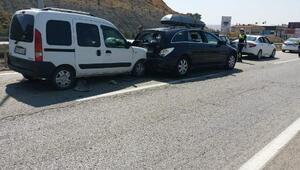 Kırıkkalede zincirlemetrafik kazası: 8 yaralı