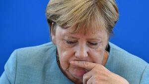 Merkelden büyük gaf Paylaştığı an olay yarattı