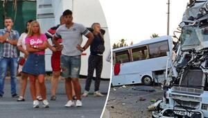 Rus turistleri taşıyan midibüse tır çarptı: 11i turist 13 yaralı