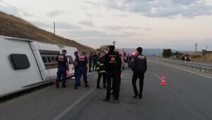 Amasyada yolcu otobüsü devrildi: 1 ölü, 14 yaralı