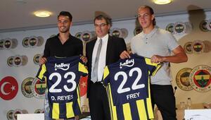 Fenerbahçede yeni transferler imza attı