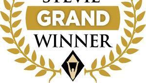 Akbank 17 ödülle Grand Stevie Winner unvanını aldı