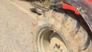 Traktörün arka tekerine çarpan otomobil takla attı